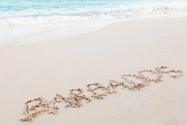 nápis Barbodos v písku