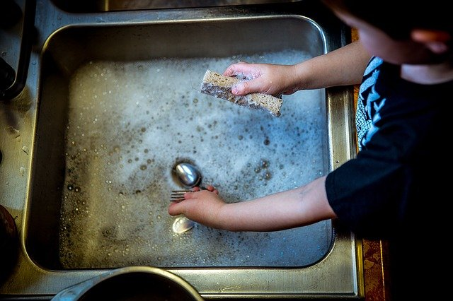 dřez, mytí nádobí