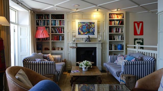 knihovna v obýváku
