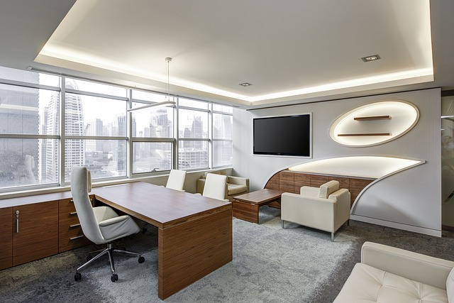moderní pokoj, kancelář, světlé barvy