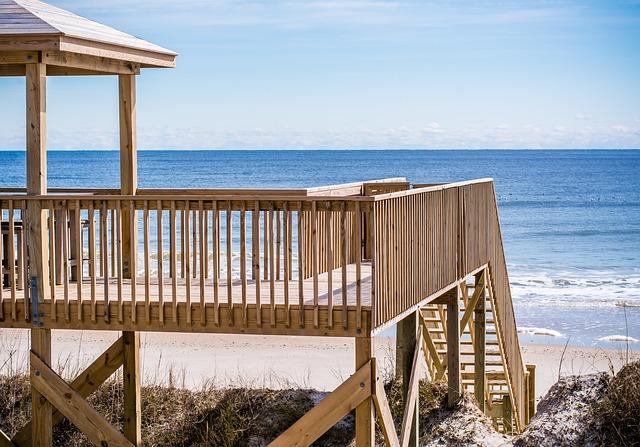 terasa s výhledem na pláž