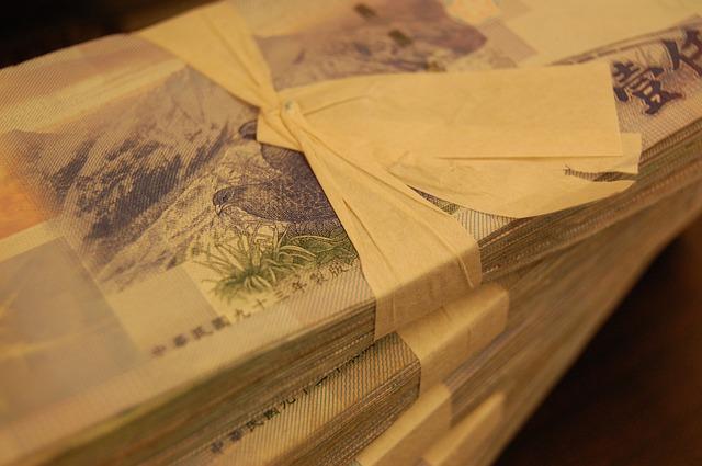 bankovky s mašličkou